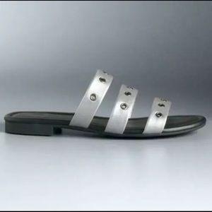 Vera Wang Silver Grommet detail flat sandals NiB 8